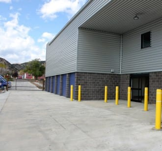 Large covered loading dock for your convenience