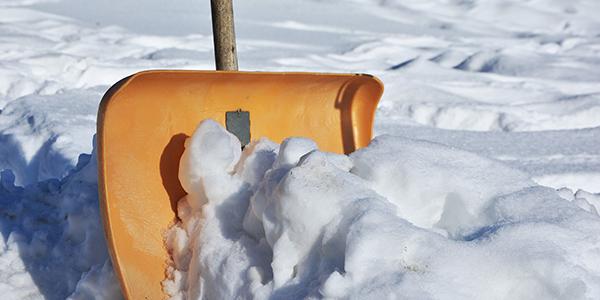 Shoveling the driveway before your winter move in will help eliminate dirty floors.