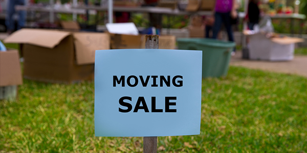 moving sale to sell items before moving homes