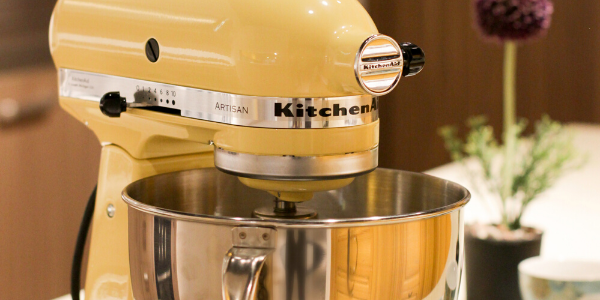 For the best results and to protect your other, more fragile kitchen items, follow our tips on how to pack a KitchenAid mixer for moving.